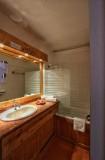salle-de-bain-min-556