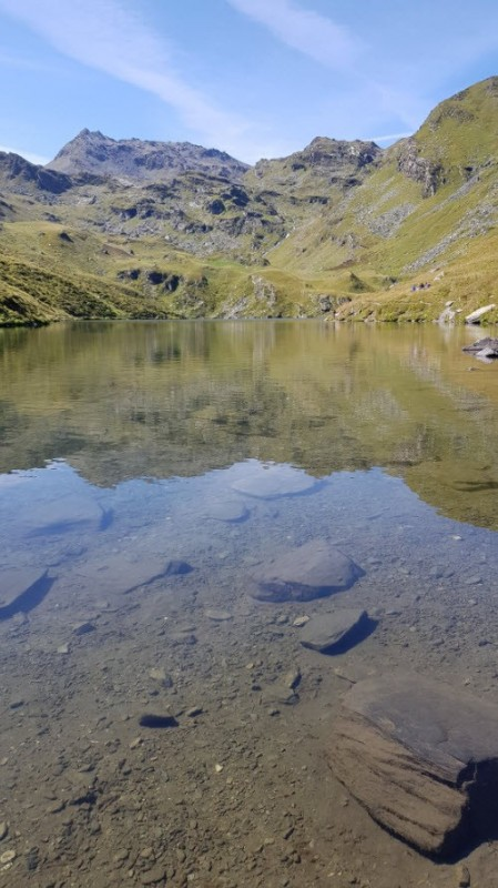 refuge-du-lac-du-lou-ete-zoom-eau-translucide-607