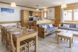 appartement-n13-table-salon-cuisine-4490354